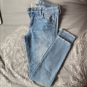 American Eagle Light Wash Stretch Skinny Jeans 10L